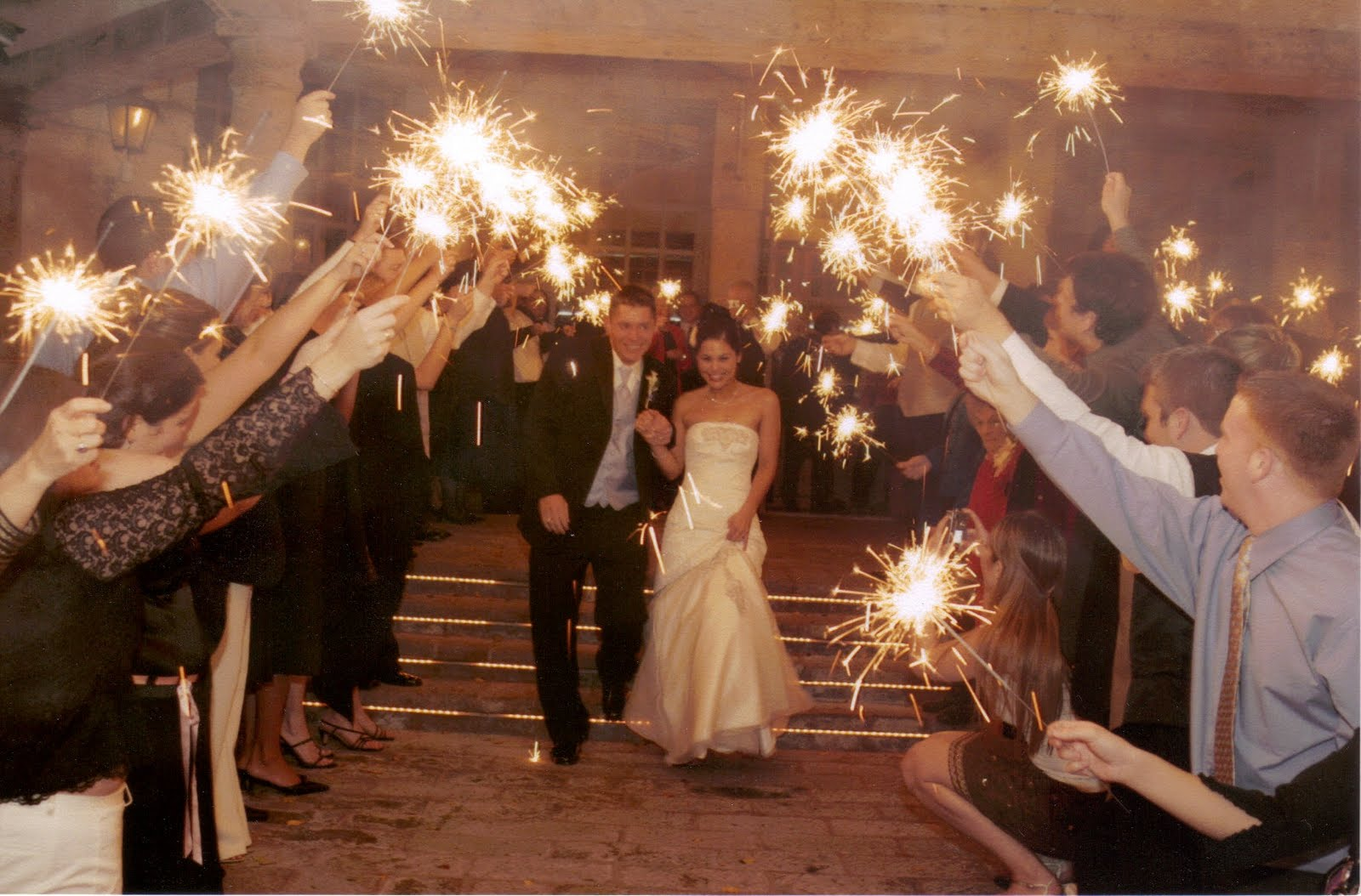 Sparklers For Wedding.Wedding Sparklers Light Up The Night Bliss Events Mexico
